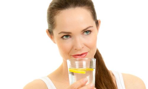 6 lý do nên uống nước chanh với mật ong buổi sáng