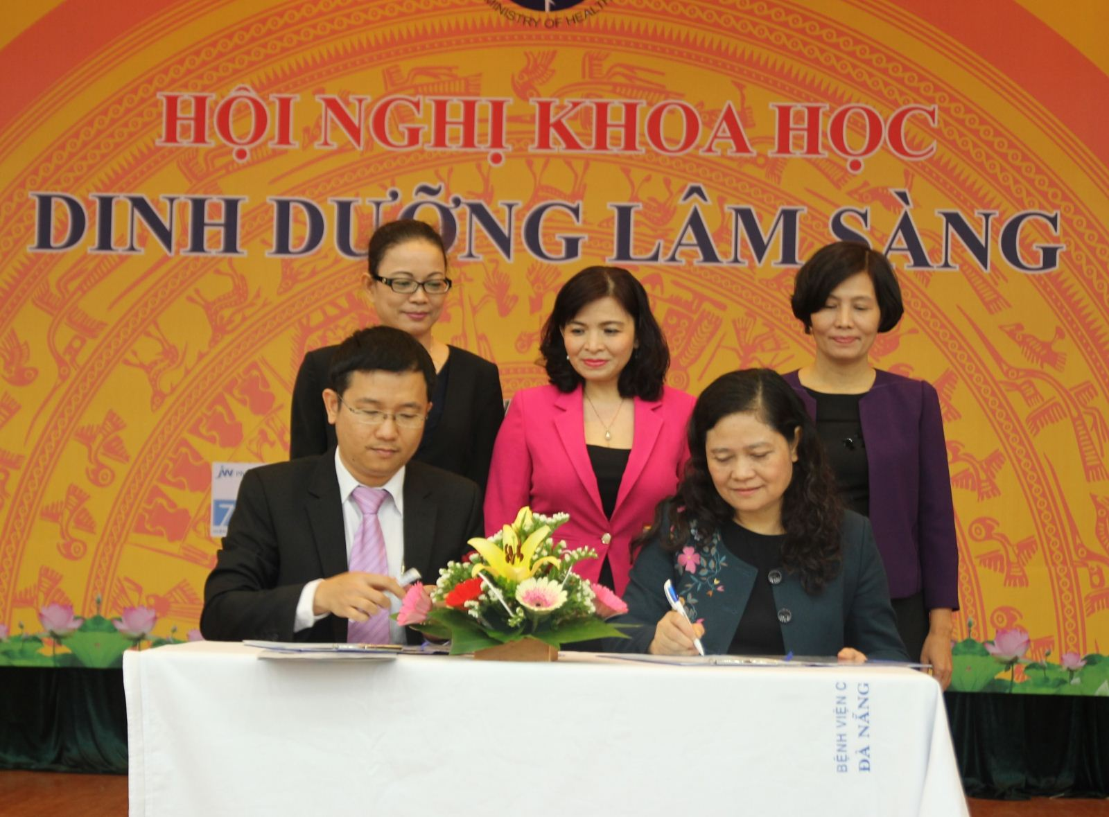 Vinamilk giúp cải thiện suy dinh dưỡng thấp còi ở trẻ Việt
