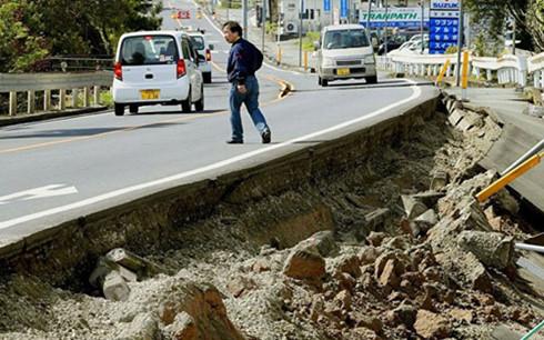 Nhật Bản lại rung chuyển bởi trận động đất thứ 2, mạnh 7,3 độ richter