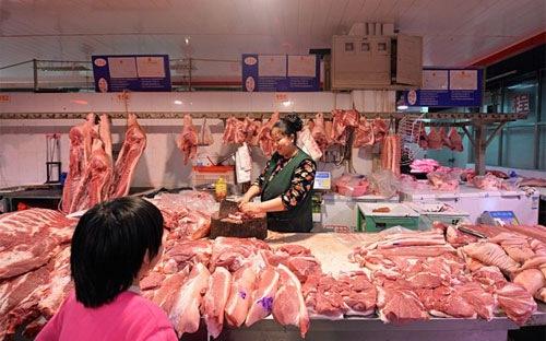"""""""Sẽ cân bằng lại cung-cầu thị trường thịt lợn trong 2-3 tháng tới"""""""