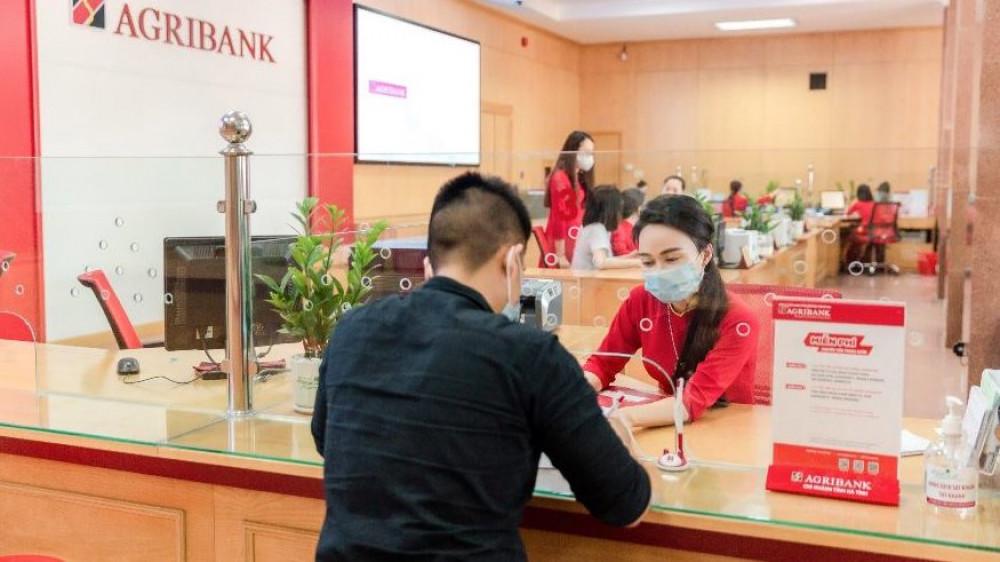 Agribank tiếp tục miễn 100% phí dịch vụ tại các tỉnh, thành đang giãn cách xã hội