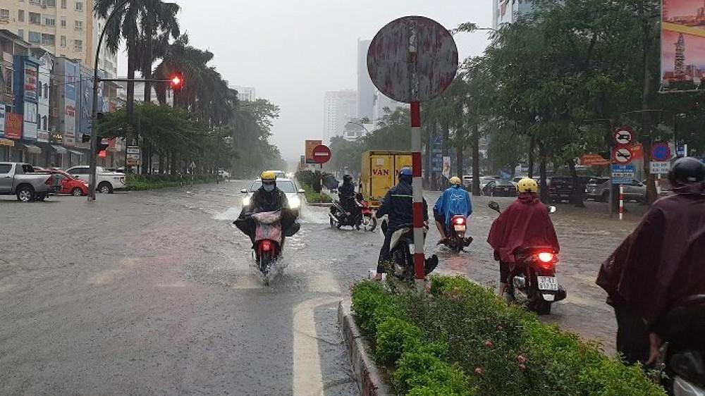 Nghệ An: Mưa lớn, nhiều tuyến đường TP. Vinh thất thủ