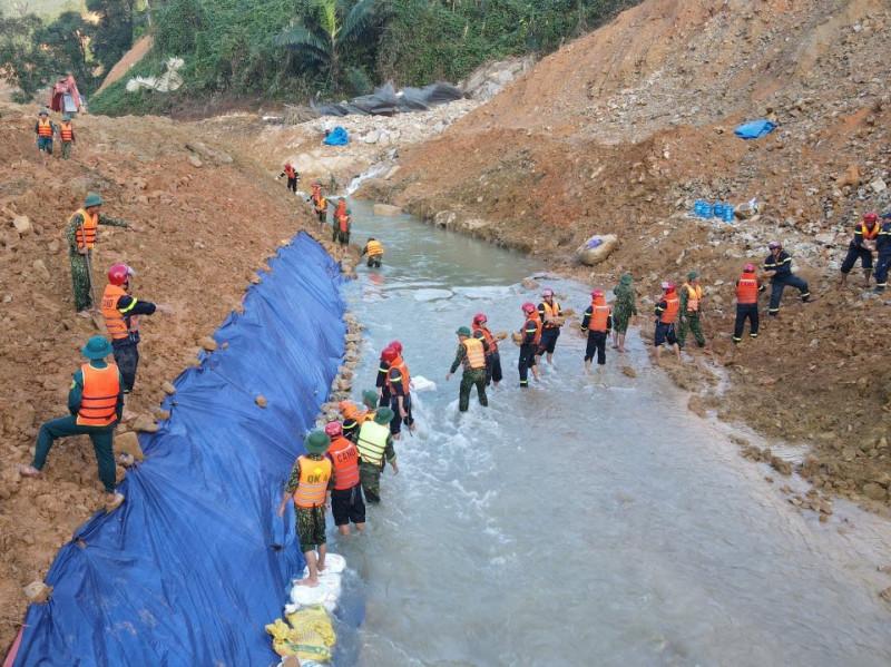 Vụ sạt lở đất ở Rào Trăng 3: Tìm kiếm nạn nhân còn đang mất tích chuyển sang giai đoạn 4